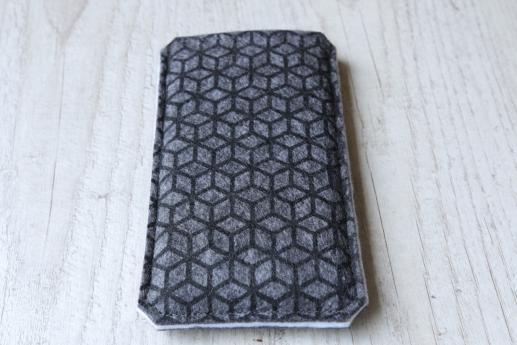 Motorola Moto G5 Plus sleeve case pouch dark felt black cube pattern