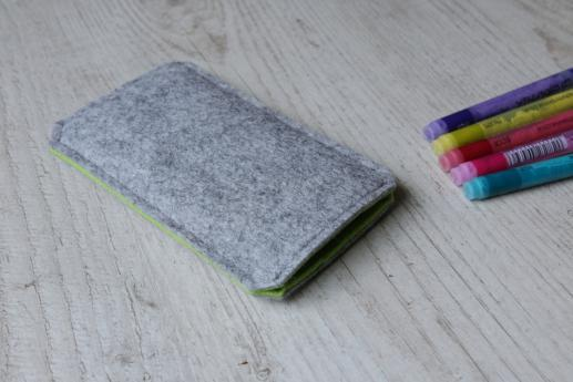 Sony Xperia Z5 Premium sleeve case pouch light felt pocket black cube pattern