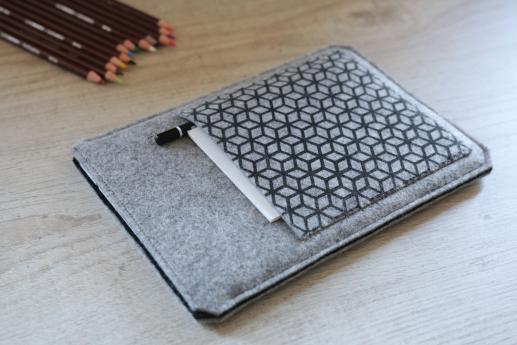 Apple iPad Mini 2 case sleeve pouch light felt pocket black cube pattern