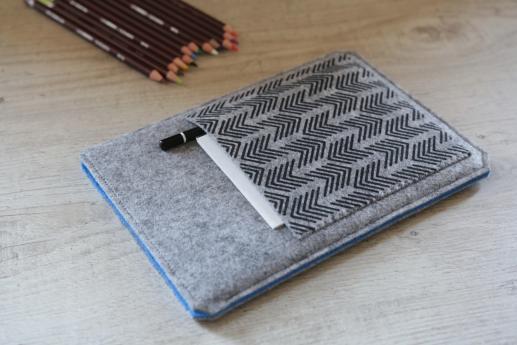 Apple iPad Mini 4 case sleeve pouch light felt pocket black arrow pattern