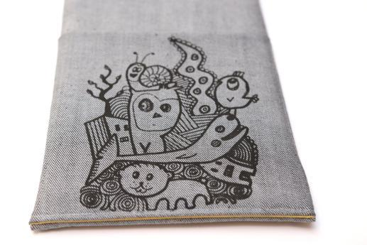 Kindle Fire HD case sleeve pouch light denim pocket black animals