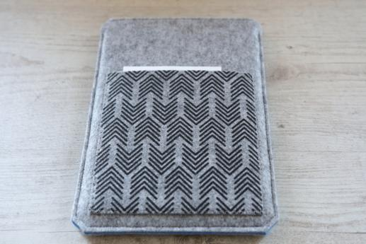 Samsung Galaxy Tab E 9.6 case sleeve pouch light felt pocket black arrow pattern