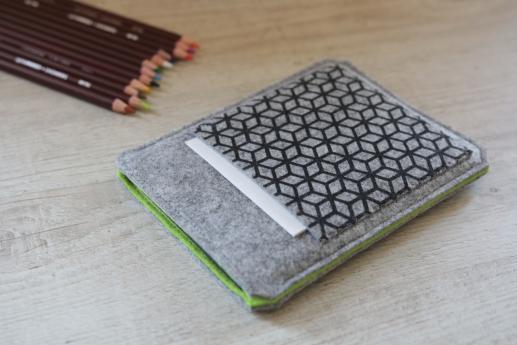 Kindle 2016 sleeve case ereader light felt pocket black cube pattern