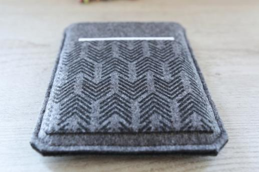 Kobo Touch sleeve case ereader dark felt pocket black arrow pattern