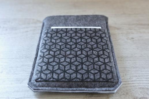 Kobo Glo sleeve case ereader dark felt pocket black cube pattern