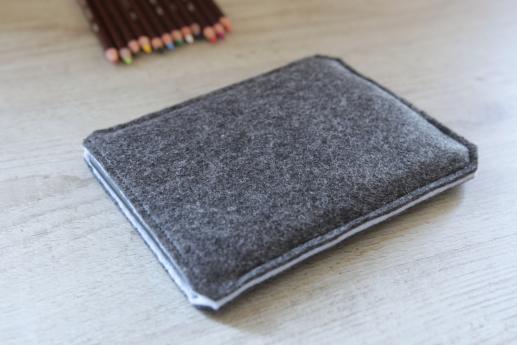 Kobo Aura sleeve case ereader dark felt pocket black cube pattern