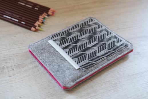 Kobo Glo HD sleeve case ereader light felt pocket black arrow pattern