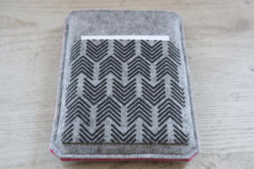 Kobo Aura sleeve case ereader light felt pocket black arrow pattern