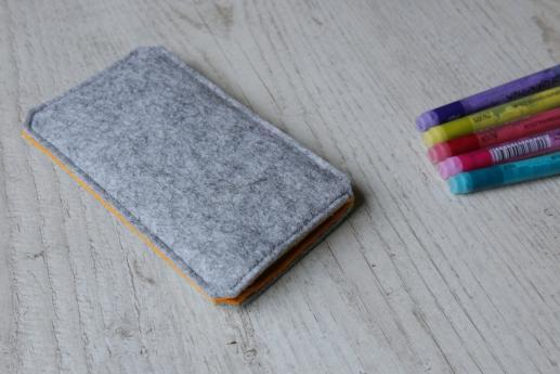Apple iPhone XS sleeve case pouch light felt
